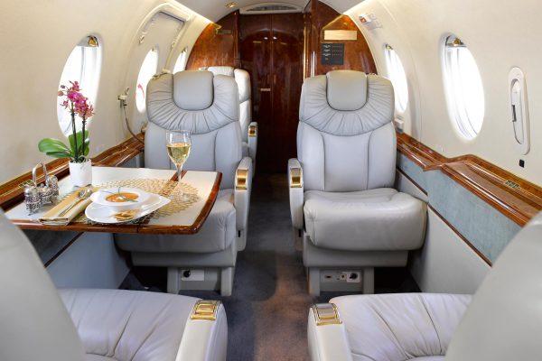 PRIV-HB400-N982AR-interior overview