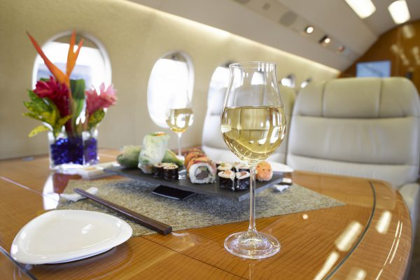 PRIVAIRA F2000 N420LM cabin meal