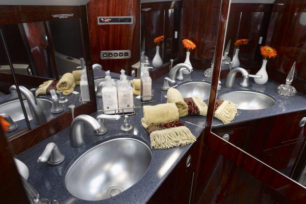 PRIVAIRA F50 N752JC interior lavatory