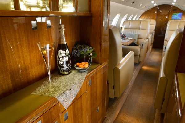 PRIVAIRA FALCON50 N56LN interior galley