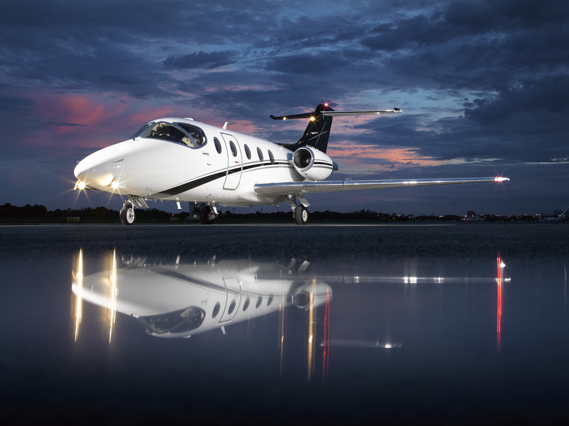 PRIVAIRA Hawker 400XP