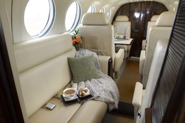 PRIVAIRA KING AIR 300 N637JC interior couch