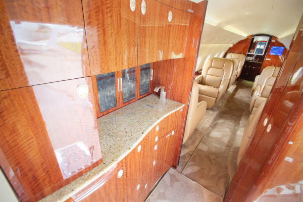 Privaira Gulfstream kitchen
