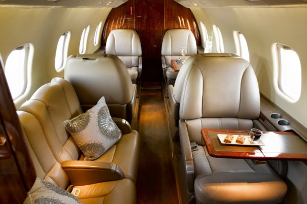 Privaira learjet 60 couch